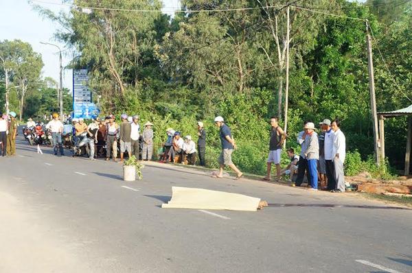 nam thanh niên, chết trên đường, xe đâm, Tam Kỳ, Quảng Nam