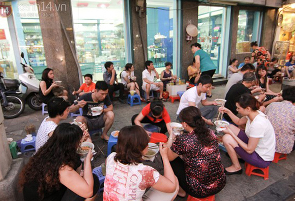 Quán ngày bán 3 tiếng, ăn phải canh giờ ở Hà Nội