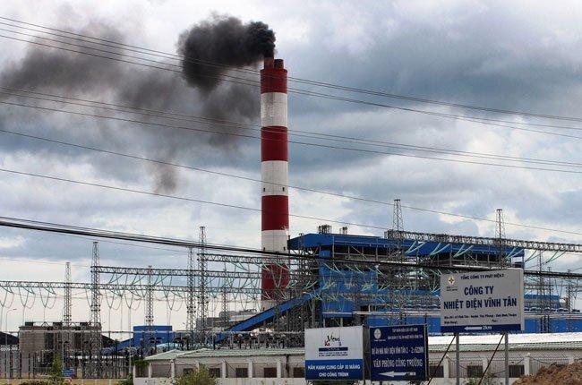 Xả khói đen ô nhiễm môi trường: EVN hứa không tái diễn