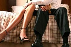 Nghi vợ ngoại tình vì trong tủ thiếu mất 1 cái BCS