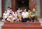 Bi hài chuyện chạy ăn từng bữa ở gia đình đông con nhất Hà Nội