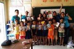 Mang sách đến trẻ em vùng xa