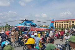 Thời sự tuần qua: Máy bay hạ cánh trên đường làng
