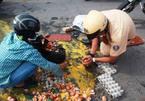 Hình ảnh CSGT giúp dân cảm động trên phố Sài Gòn