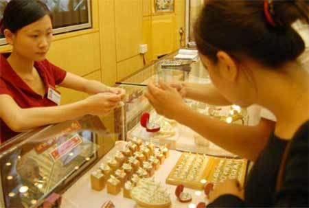 Một buổi sáng, vàng giảm giá 500 ngàn/lượng