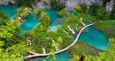 Ngẩn ngơ với những hồ nước đẹp nhất thế giới