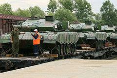 Thế giới 24h: Xe tăng TQ tới Nga so tài