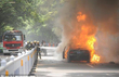 Doanh nhân phóng hỏa đốt xe BMW giữa phố