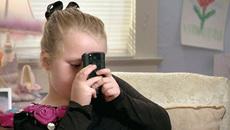 Những con số giật mình về thiếu niên và mạng xã hội