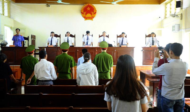 LS nói về những 'bất thường' sau phiên xử Lý Nguyễn Chung