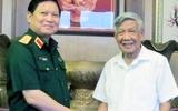 Thượng tướng Ngô Xuân Lịch thăm nguyên Tổng bí thư Lê Khả Phiêu