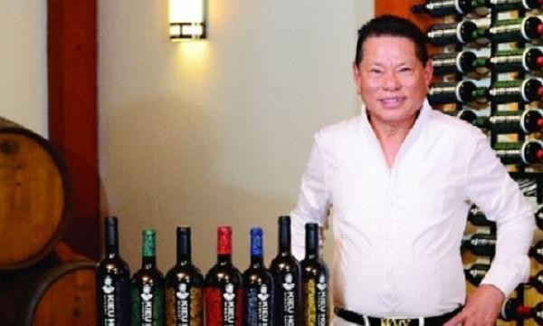 Tỷ phú Hoàng Kiều: Từ buôn máu chuyển qua buôn rượu