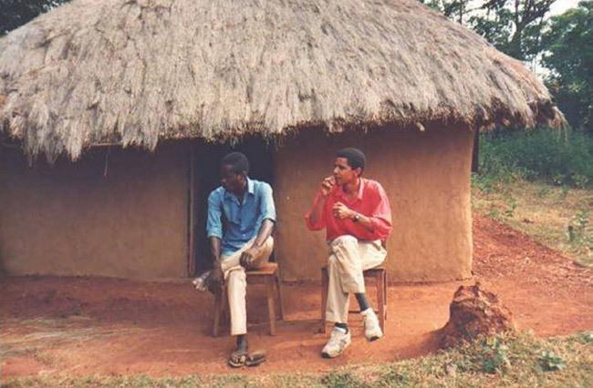 Ảnh hiếm về thời trai trẻ của ông Obama ở Kenya