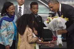 Hình ảnh Obama tới Ethiopia và cầu vồng xuất hiện