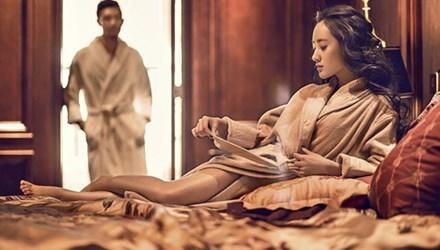 Chiếc khăn tay có mùi nước hoa lạ tố vợ ngoại tình