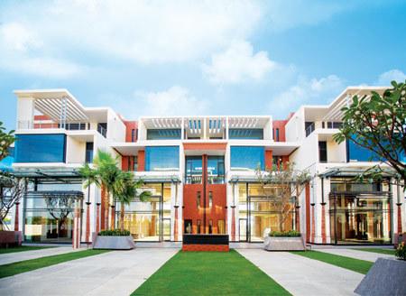 Ở Hà Nội mua biệt thự mặt tiền Nam Sài Gòn