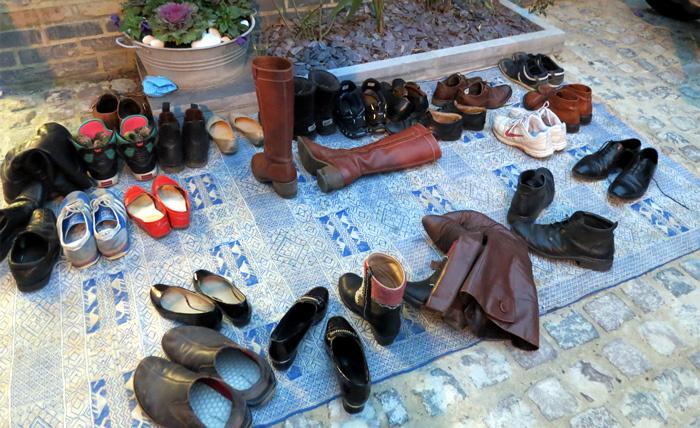 Vào hàng sang 5 phút mất luôn đôi giày 5 triệu