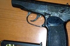 Hà Nội: Gã xe ôm chuyên mang theo súng bên người