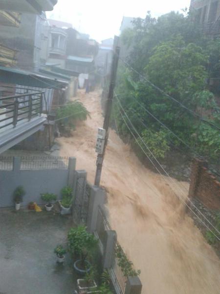 Hình ảnh mưa lũ lớn chưa từng có ở Quảng Ninh