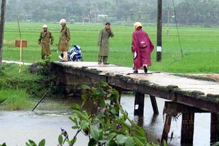 Phát hiện thi thể nữ sinh dưới cầu