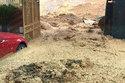 Cảnh đất đá sạt lở tấn công nhà dân ở Quảng Ninh