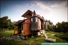 Ngôi nhà di động biến hình kỳ lạ nhất thế giới