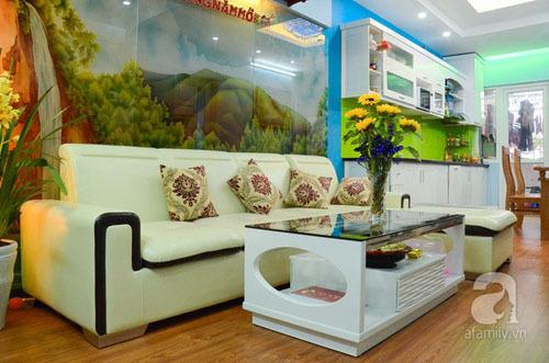 Căn hộ nhỏ 68m² rực rỡ sắc màu của gia đình trẻ ở Hà Nội