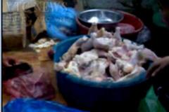 Tiết lộ gây sốc về đường đi của gà, cá, tôm bẩn đến quán cơm