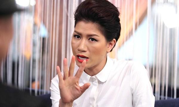 Trang Trần, người mẫu, ra tòa, chống người thi hành công vụ, lăng mạ, tấn công