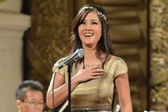 Hồng Nhung đẹp tựa nữ thần trên sân khấu 'Điều còn mãi'