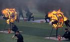 Xem công an biểu diễn nhảy qua vòng lửa