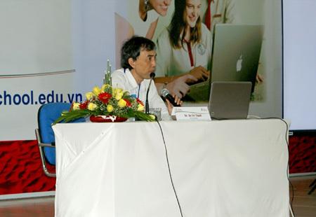 SV ĐH Quốc tế Sài Gòn chủ động nghiên cứu khoa học