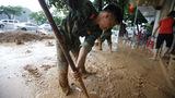 'Quả bom nước' giữa thành phố Hạ Long