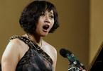 'Họa mi' Khánh Linh thăng hoa trong hòa nhạc Điều còn mãi