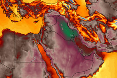 Dân Trung Đông 'bốc hỏa' vì nắng nóng