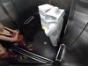 10 clip 'nóng': Thiếu nữ khóc thét vì trò đùa trong thang máy