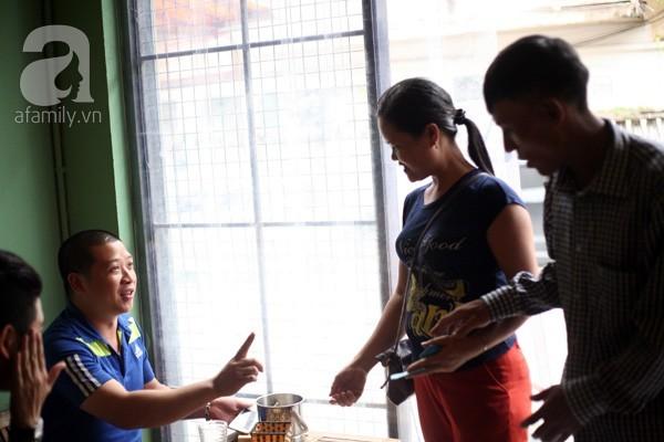 Quán cơm trưa 1.000 đồng cho dân nghèo ở Hà Nội