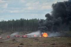 CLIP: Phi công Nga tháo chạy khỏi máy bay bốc cháy