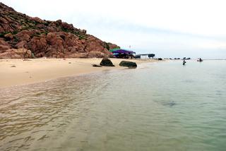 Bữa tiệc bãi biển tận hưởng bình yên Quy Nhơn
