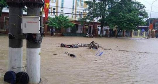 12.000 khách hàng bị mất điện do mưa lũ