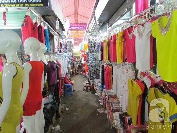 Ninh Hiệp: Đại siêu thị quần áo lớn nhất miền Bắc