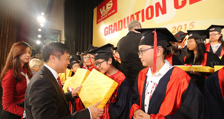 Gần 800 học viên VUS nhận Chứng chỉ anh ngữ quốc tế