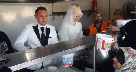 Mời 4.000 người tị nạn đến ăn cưới miễn phí