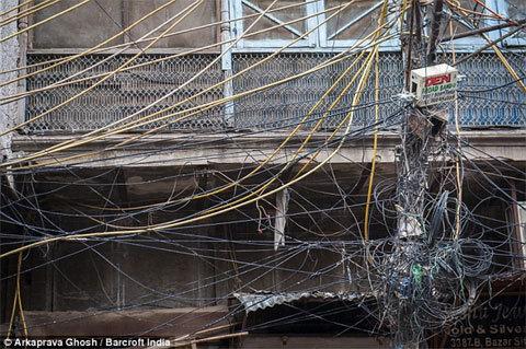 rác trời, dây điện