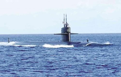 Cận cảnh tàu ngầm tối tân của Mỹ tới Philippines