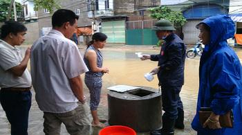 Nguy cơ dịch bệnh tấn công Quảng Ninh sau lũ