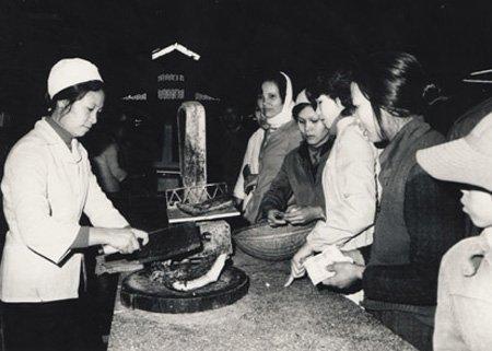 Bồi hồi nhớ chợ Tết ngày xưa - ảnh 9