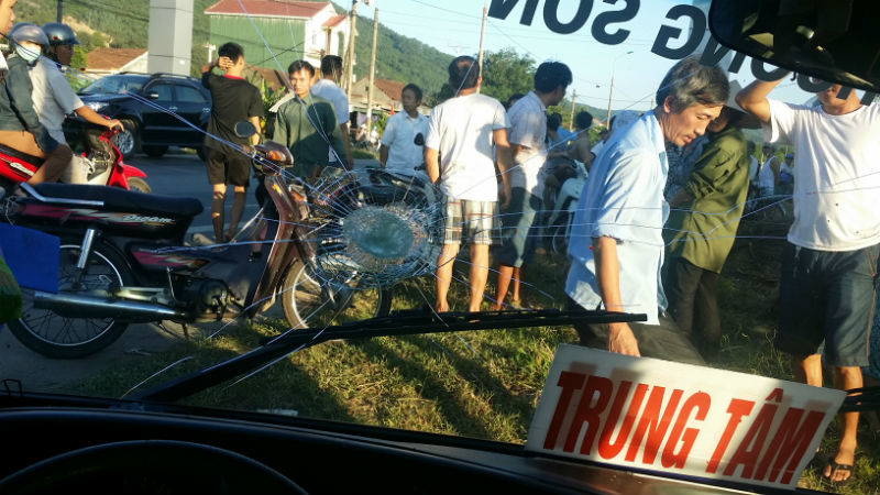 cướp lái, xe buýt, người đàn ông, gây náo loạn, Hà Tĩnh