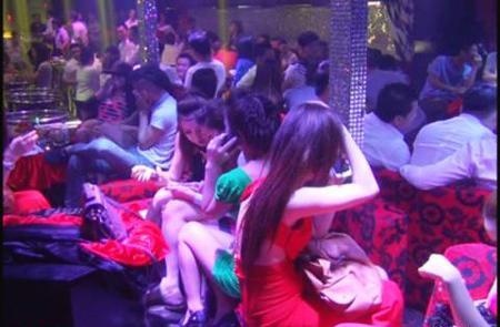 vũ trường Sài Gòn, vén màn, ăn chơi, pha chế rượu, giấy phép kinh doanh, lách luật, số má