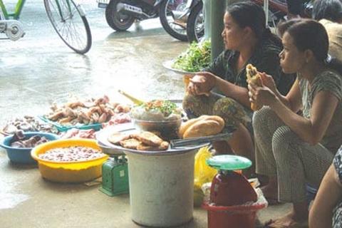 bánh trung thu, nho, thịt gà, thịt lợn, hết hạn, lòng thối